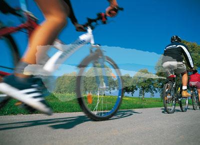 Mehrere Radfahrer in Bewegung, Vorpommern