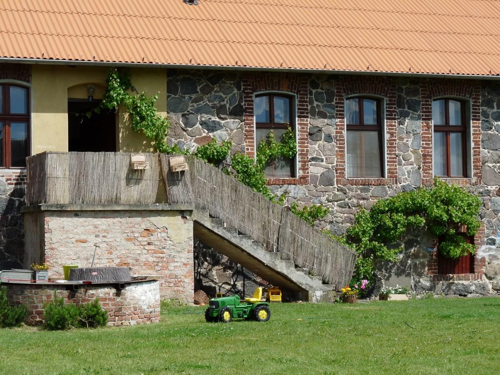 Liebevoll restauriert werden die Gebäude des Öko-Bauernhofs Folwark Wąsowo.  Foto: Höck